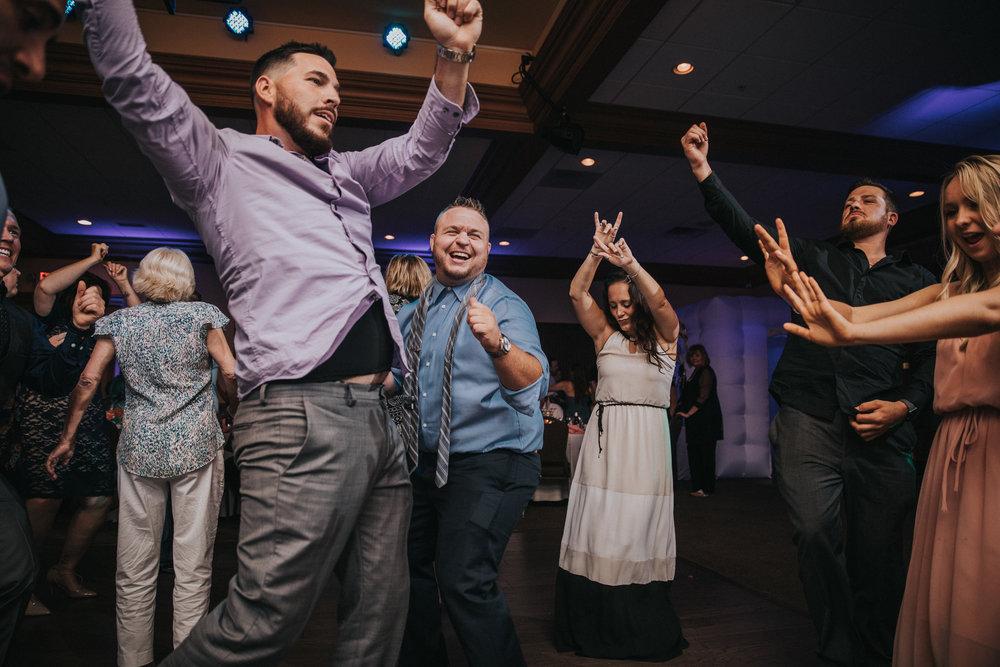 New-Jersey-Wedding-Photographer-JennaLynnPhotography-ValenzanoWinery-Reception-157.jpg