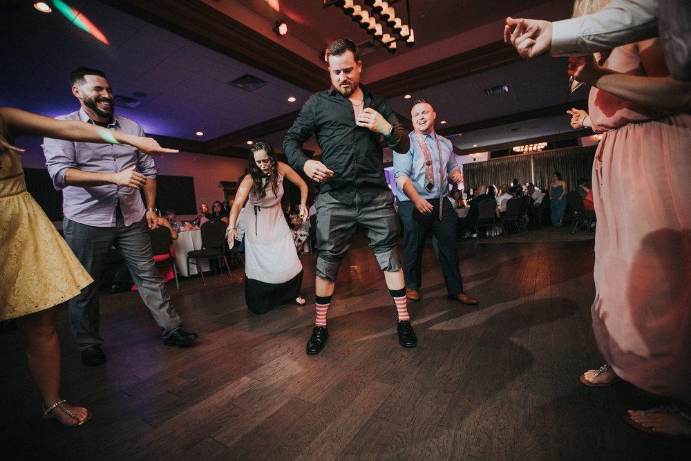 New-Jersey-Wedding-Photographer-JennaLynnPhotography-ValenzanoWinery-Reception-207.jpg