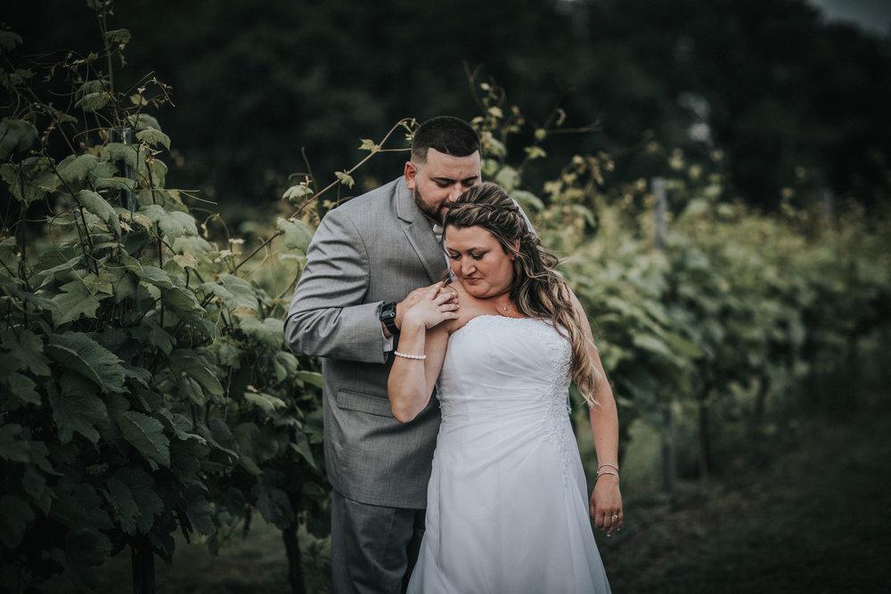 New-Jersey-Wedding-Photographer-JennaLynnPhotography-ValenzanoWinery-Bride&Groom-20.jpg