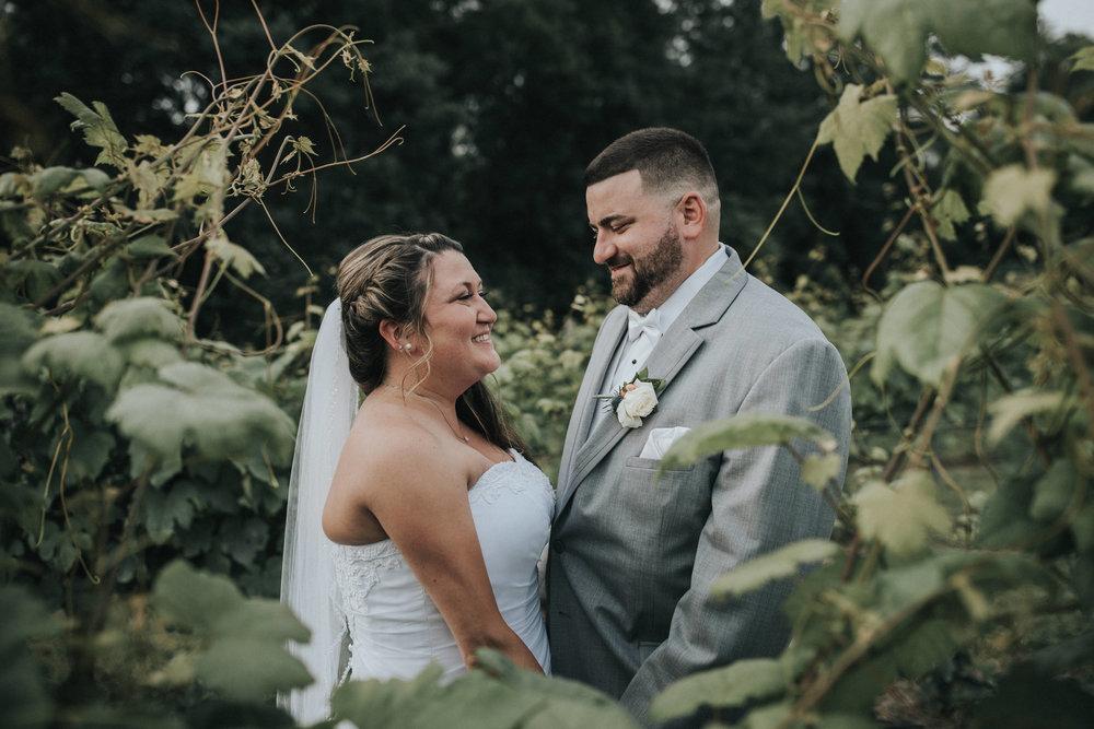 New-Jersey-Wedding-Photographer-JennaLynnPhotography-ValenzanoWinery-Bride&Groom-29.jpg