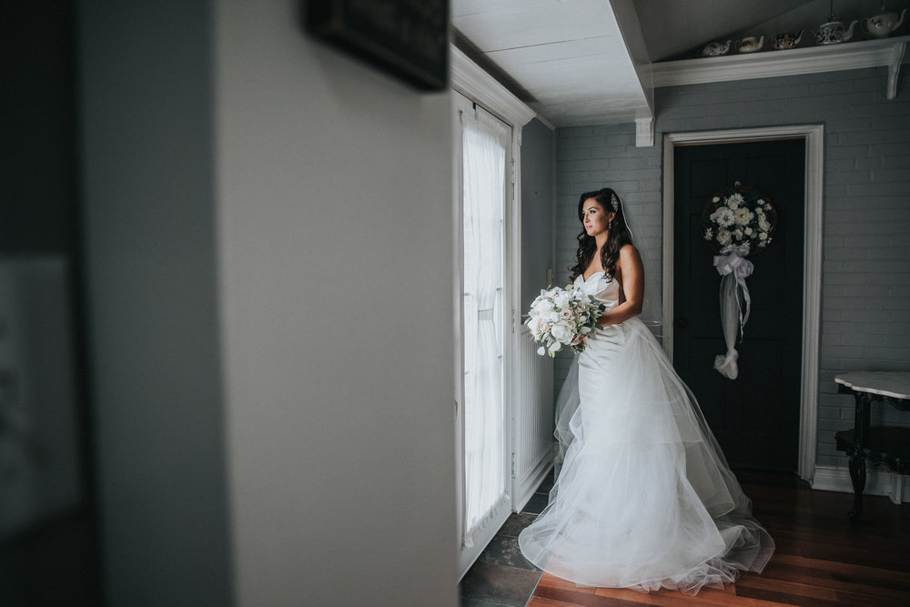 New-Jersey-Wedding-Photographer-JennaLynnPhotography-Trump-National-Golf-Club-Philadelphia-ErikaChris-Getting-Ready-166.jpg