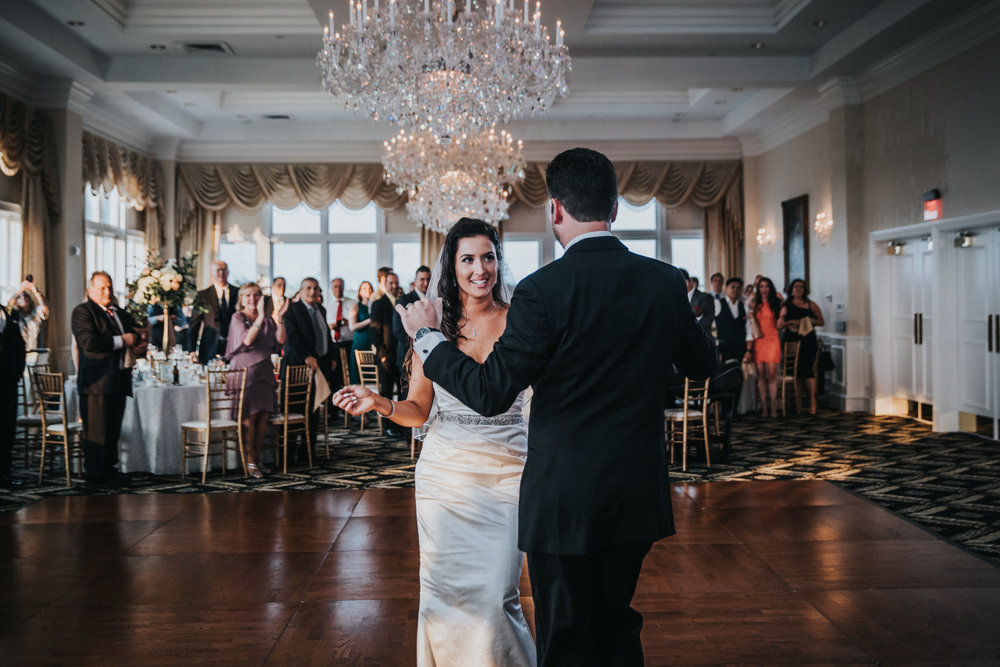 New-Jersey-Wedding-Photographer-JennaLynnPhotography-Trump-National-Golf-Club-Philadelphia-ErikaChris-Reception-26.jpg