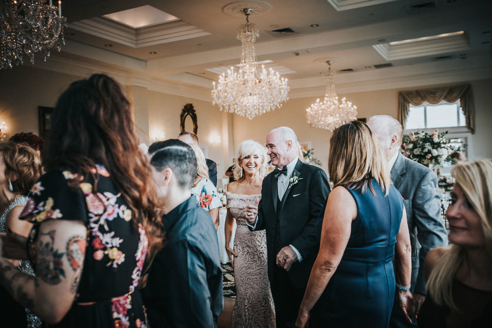 New-Jersey-Wedding-Photographer-JennaLynnPhotography-Trump-National-Golf-Club-Philadelphia-ErikaChris-Reception-166.jpg