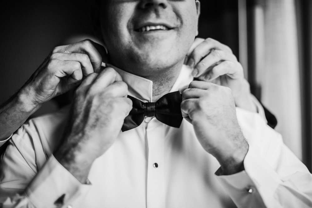 JennaLynnPhotography-NJWeddingPhotographer-Philadelphia-Wedding-ArtsBallroom-GettingReadyBW-25.jpg