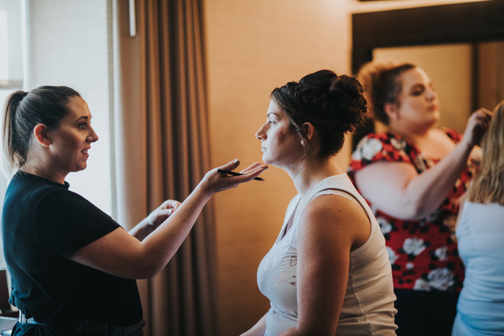 JennaLynnPhotography-NJWeddingPhotographer-Wedding-TheBerkeley-AsburyPark-Allison&Michael-GettingReady-12.jpg