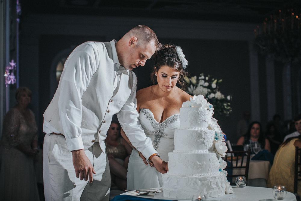 JennaLynnPhotography-NJWeddingPhotographer-Wedding-TheBerkeley-AsburyPark-Allison&Michael-Reception-159.jpg