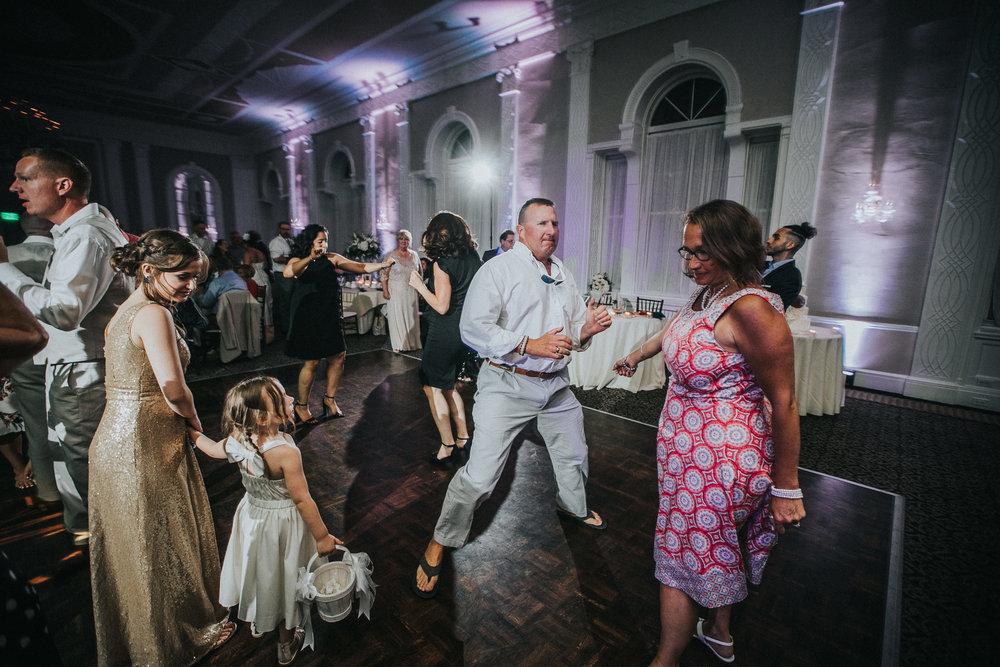 JennaLynnPhotography-NJWeddingPhotographer-Wedding-TheBerkeley-AsburyPark-Allison&Michael-Reception-189.jpg