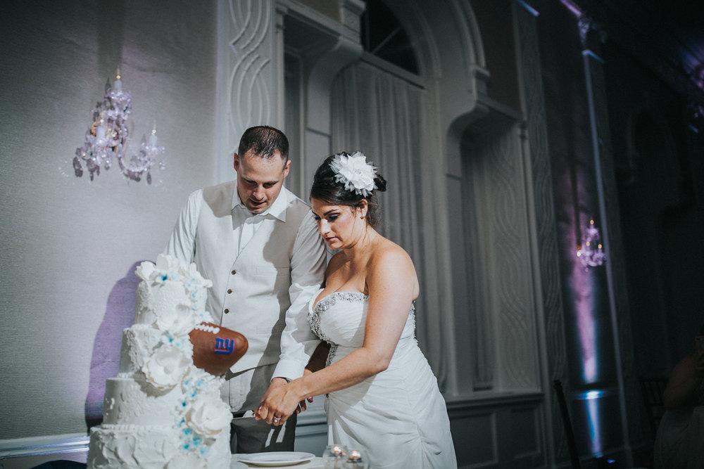 JennaLynnPhotography-NJWeddingPhotographer-Wedding-TheBerkeley-AsburyPark-Allison&Michael-Reception-196.jpg