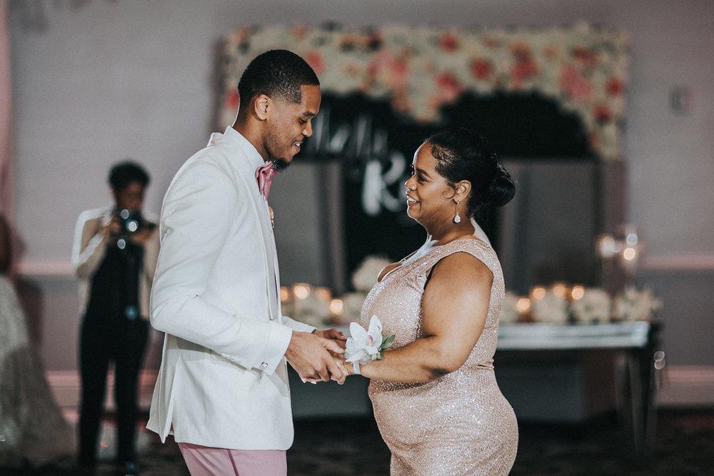 New-Jersey-Wedding-Photographer-Jenna-Lynn-Photography-TheWaterFall-Wedding-Reception-99.jpg