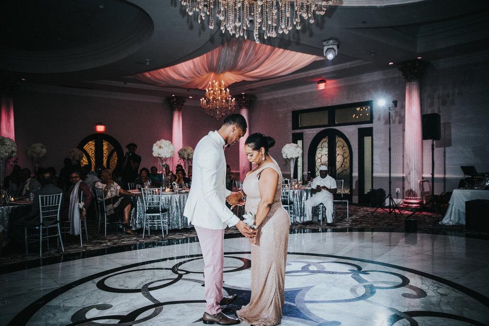 New-Jersey-Wedding-Photographer-Jenna-Lynn-Photography-TheWaterFall-Wedding-Reception-68.jpg