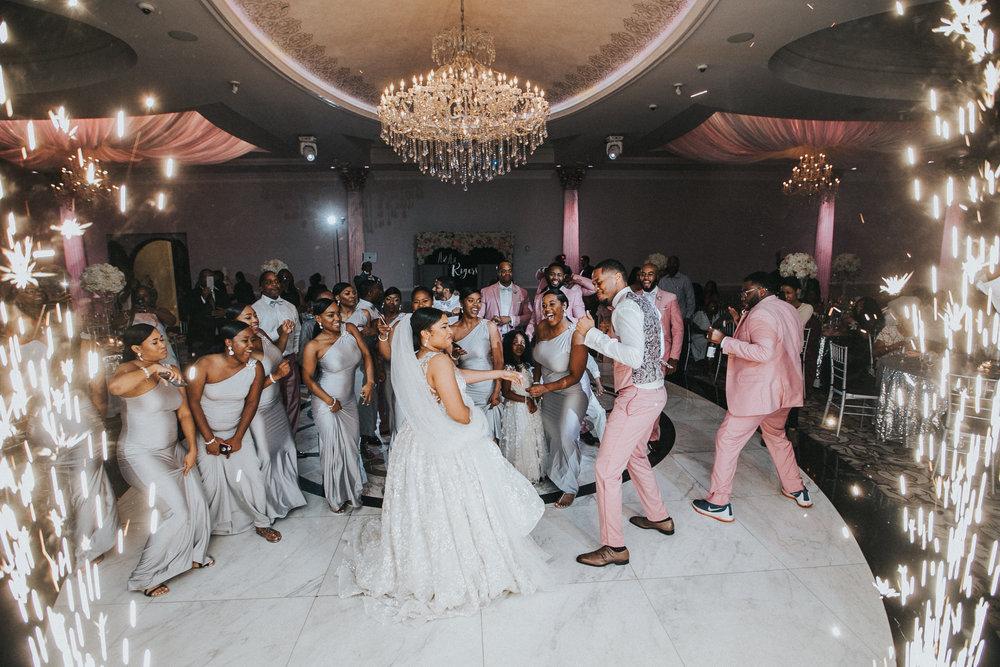 New-Jersey-Wedding-Photographer-Jenna-Lynn-Photography-TheWaterFall-Wedding-Reception-208.jpg