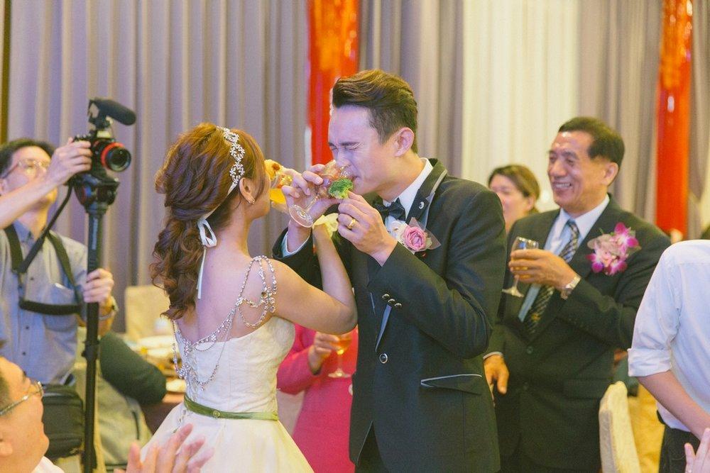 婚禮紀錄-推薦婚攝-默默推薦-高雄婚攝00111.jpg
