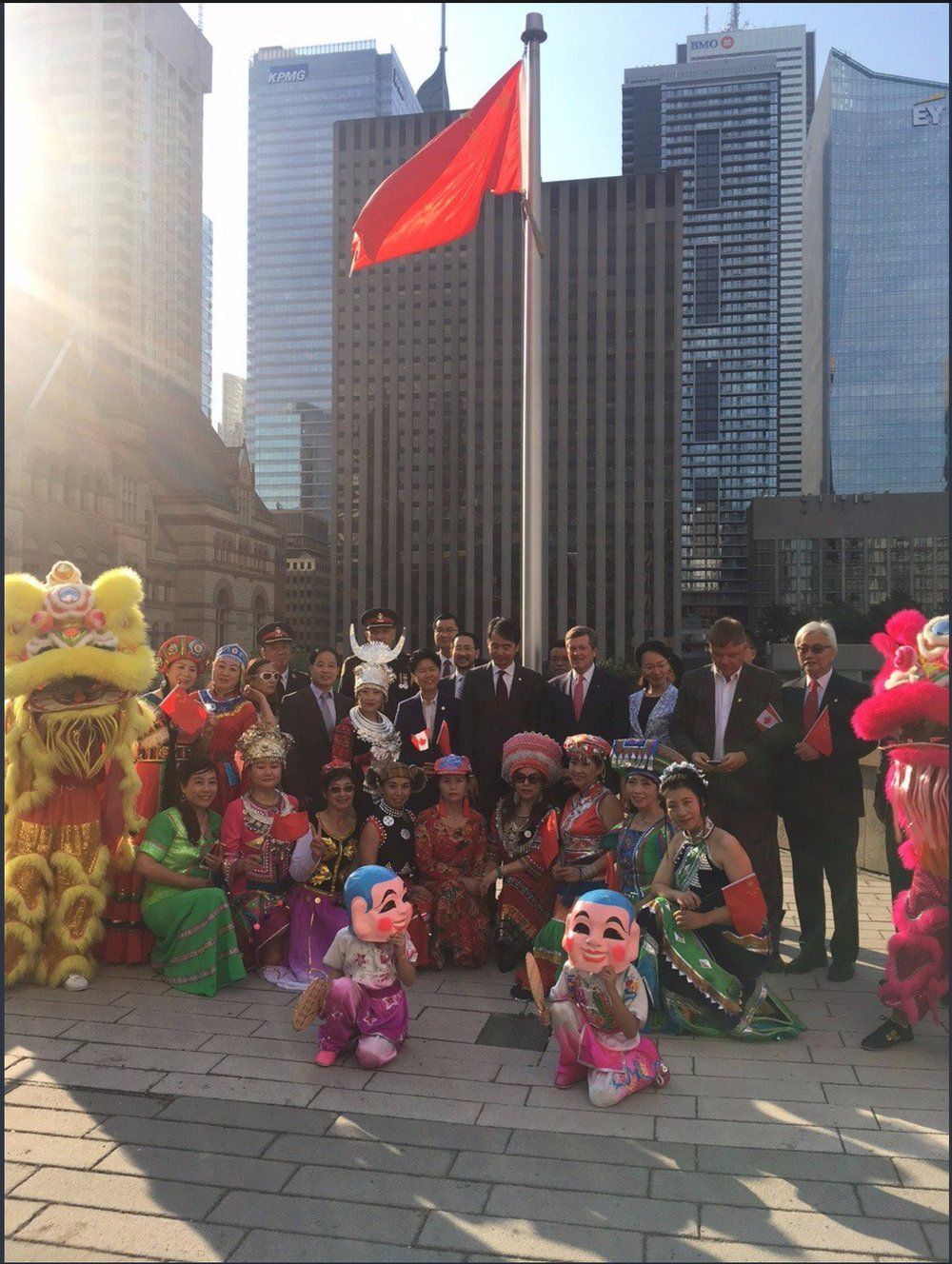 wayland-li-wushu-lion-dance-toronto-city-hall-china-national-day-2017-14.jpg