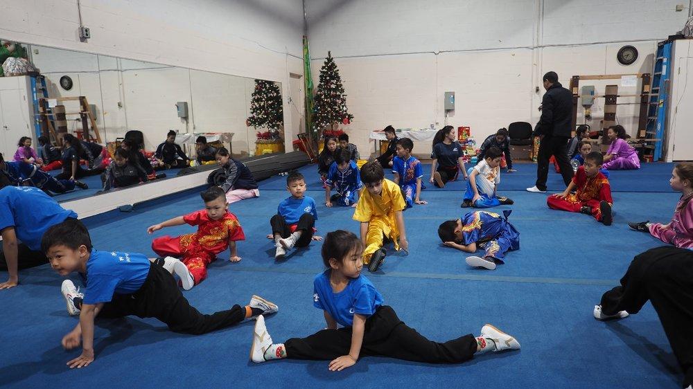 wayland-li-wushu-canada-ontario-toronto-classes-taolu-holiday-party-2017-18.jpg