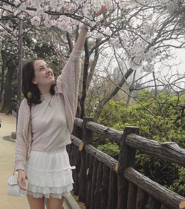 I can't wait to visit Japan!!! Here's a #tb #ootd with cherry blossoms 🌸 from 2016 ✨❤️ #blossoms #japan #cherries #pink