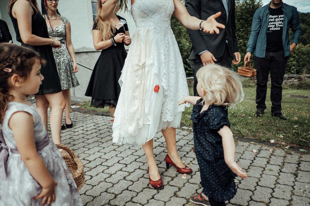Hochzeitsfotograf-Stöffelpark-Enspel-Burbach-NRW-Kevin Biberbach-KEVIN Fotografie-Aachen-Natürliche-Hochzeitsreportage-087.jpg