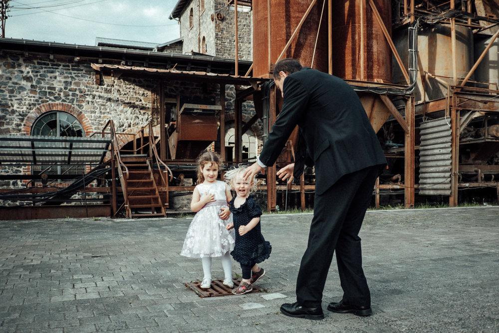 Hochzeitsfotograf-Stöffelpark-Enspel-Burbach-NRW-Kevin Biberbach-KEVIN Fotografie-Aachen-Natürliche-Hochzeitsreportage-125.jpg