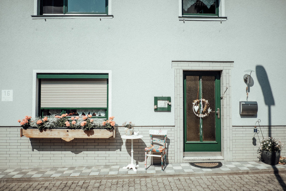 Zelthochzeit-Inspiration-Hochzeitsreportage-natürlich-Hessenhof-Coburg-Oberfranken-Aachen-Hochzeitsfotograf-Kevin Biberbach-KEVIN Fotografie-Junebug-Hochzeitswahn-011.jpg