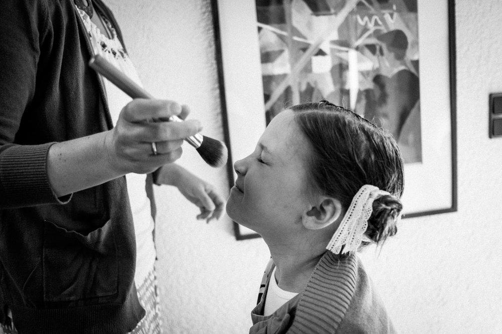Zelthochzeit-Inspiration-Hochzeitsreportage-natürlich-Hessenhof-Coburg-Oberfranken-Aachen-Hochzeitsfotograf-Kevin Biberbach-KEVIN Fotografie-Junebug-Hochzeitswahn-013.jpg