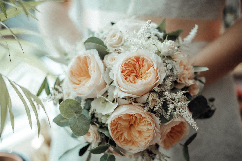 Zelthochzeit-Inspiration-Hochzeitsreportage-natürlich-Hessenhof-Coburg-Oberfranken-Aachen-Hochzeitsfotograf-Kevin Biberbach-KEVIN Fotografie-Junebug-Hochzeitswahn-033.jpg