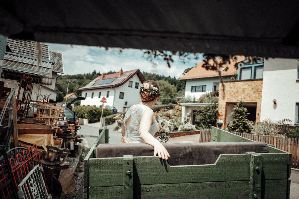 Zelthochzeit-Inspiration-Hochzeitsreportage-natürlich-Hessenhof-Coburg-Oberfranken-Aachen-Hochzeitsfotograf-Kevin Biberbach-KEVIN Fotografie-Junebug-Hochzeitswahn-036.jpg