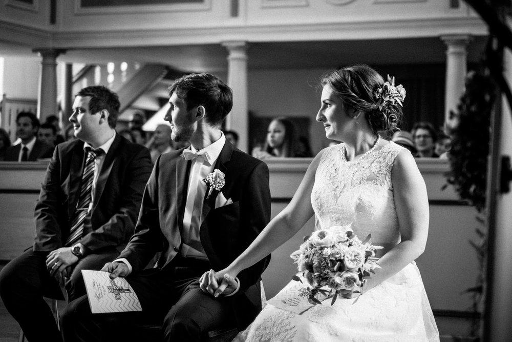 Zelthochzeit-Inspiration-Hochzeitsreportage-natürlich-Hessenhof-Coburg-Oberfranken-Aachen-Hochzeitsfotograf-Kevin Biberbach-KEVIN Fotografie-Junebug-Hochzeitswahn-048.jpg