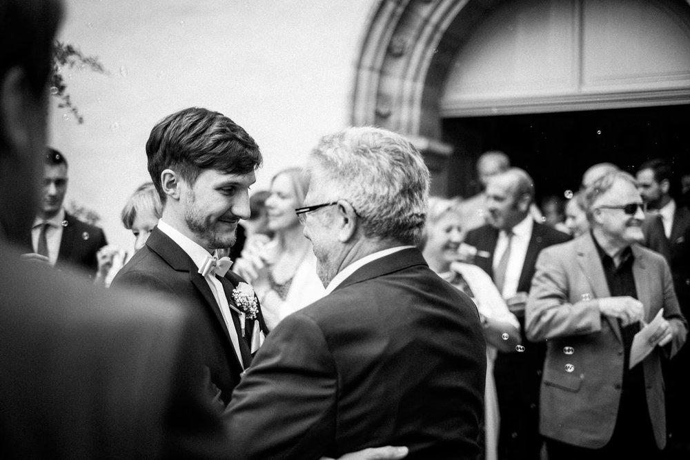 Zelthochzeit-Inspiration-Hochzeitsreportage-natürlich-Hessenhof-Coburg-Oberfranken-Aachen-Hochzeitsfotograf-Kevin Biberbach-KEVIN Fotografie-Junebug-Hochzeitswahn-065.jpg