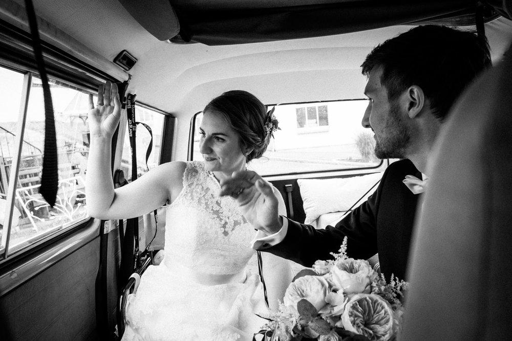 Zelthochzeit-Inspiration-Hochzeitsreportage-natürlich-Hessenhof-Coburg-Oberfranken-Aachen-Hochzeitsfotograf-Kevin Biberbach-KEVIN Fotografie-Junebug-Hochzeitswahn-084.jpg