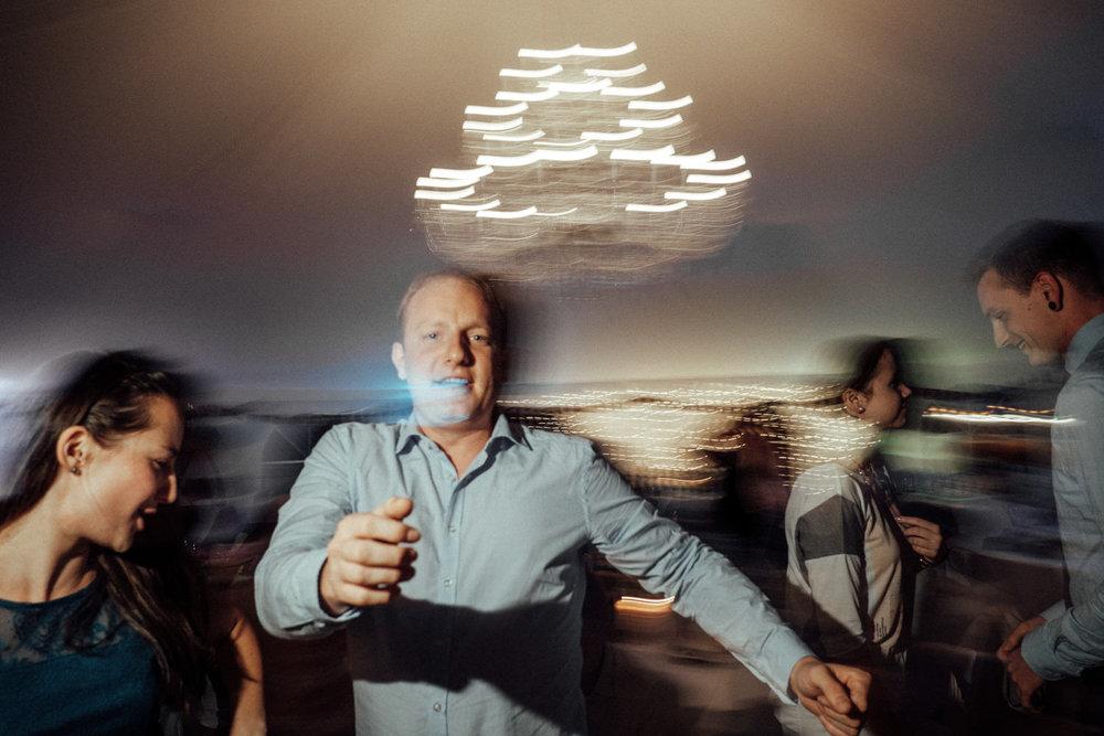 Zelthochzeit-Inspiration-Hochzeitsreportage-natürlich-Hessenhof-Coburg-Oberfranken-Aachen-Hochzeitsfotograf-Kevin Biberbach-KEVIN Fotografie-Junebug-Hochzeitswahn-153.jpg