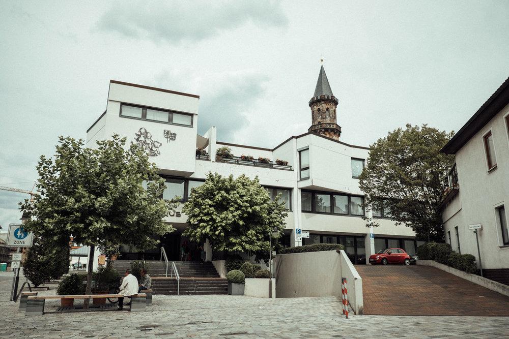 Hochzeitsfoto-Hochzeitsreportage-Neustadt bei Coburg-Oberfranken-Bayern-Hochzeitsfotograf-Kevin Biberbach-KEVIN Fotografie-Fujifilm-Hochzeitswahn-001.jpg