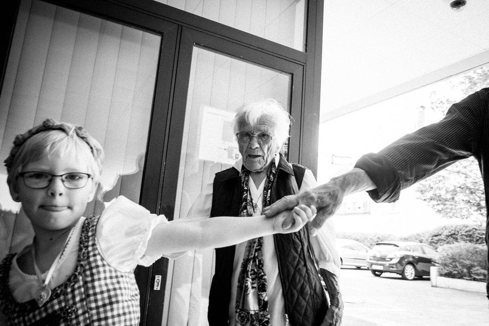 Hochzeitsfoto-Hochzeitsreportage-Neustadt bei Coburg-Oberfranken-Bayern-Hochzeitsfotograf-Kevin Biberbach-KEVIN Fotografie-Fujifilm-Hochzeitswahn-006.jpg