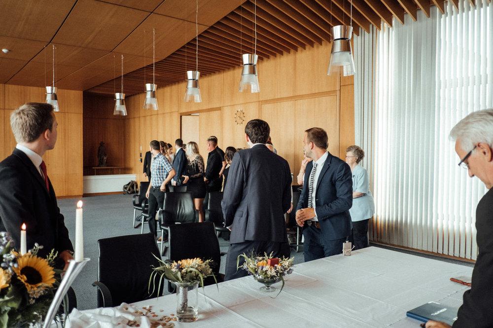Hochzeitsfoto-Hochzeitsreportage-Neustadt bei Coburg-Oberfranken-Bayern-Hochzeitsfotograf-Kevin Biberbach-KEVIN Fotografie-Fujifilm-Hochzeitswahn-013.jpg