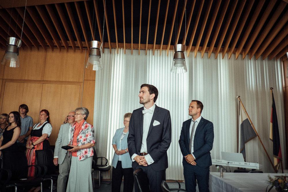 Hochzeitsfoto-Hochzeitsreportage-Neustadt bei Coburg-Oberfranken-Bayern-Hochzeitsfotograf-Kevin Biberbach-KEVIN Fotografie-Fujifilm-Hochzeitswahn-015.jpg