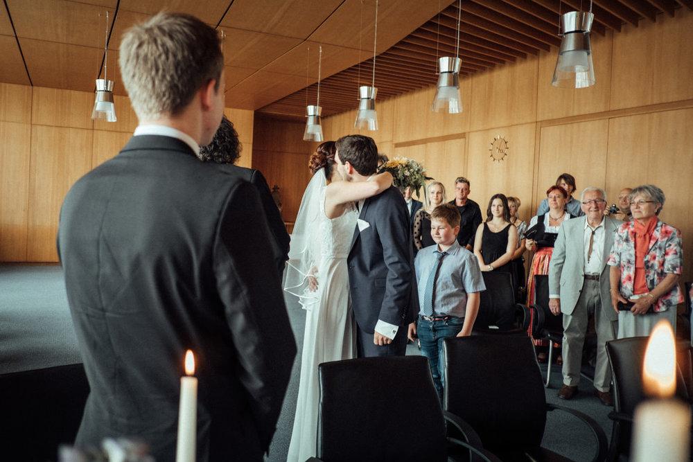 Hochzeitsfoto-Hochzeitsreportage-Neustadt bei Coburg-Oberfranken-Bayern-Hochzeitsfotograf-Kevin Biberbach-KEVIN Fotografie-Fujifilm-Hochzeitswahn-017.jpg