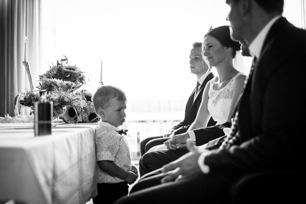 Hochzeitsfoto-Hochzeitsreportage-Neustadt bei Coburg-Oberfranken-Bayern-Hochzeitsfotograf-Kevin Biberbach-KEVIN Fotografie-Fujifilm-Hochzeitswahn-019.jpg