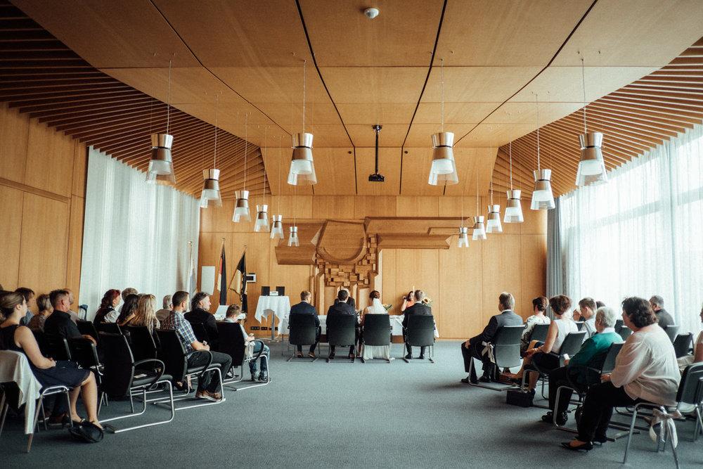 Hochzeitsfoto-Hochzeitsreportage-Neustadt bei Coburg-Oberfranken-Bayern-Hochzeitsfotograf-Kevin Biberbach-KEVIN Fotografie-Fujifilm-Hochzeitswahn-020.jpg