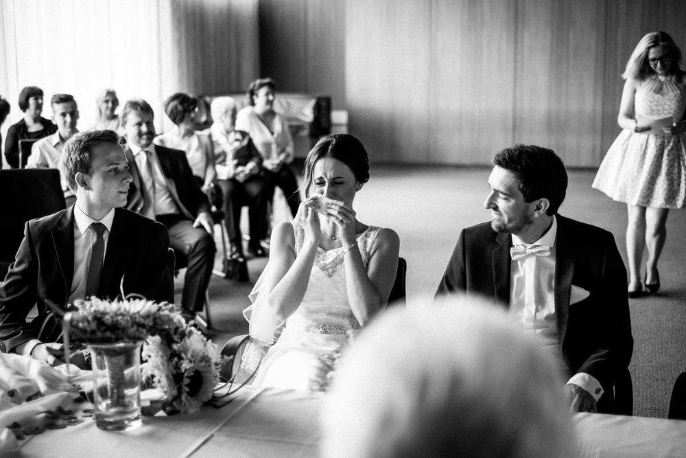 Hochzeitsfoto-Hochzeitsreportage-Neustadt bei Coburg-Oberfranken-Bayern-Hochzeitsfotograf-Kevin Biberbach-KEVIN Fotografie-Fujifilm-Hochzeitswahn-024.jpg