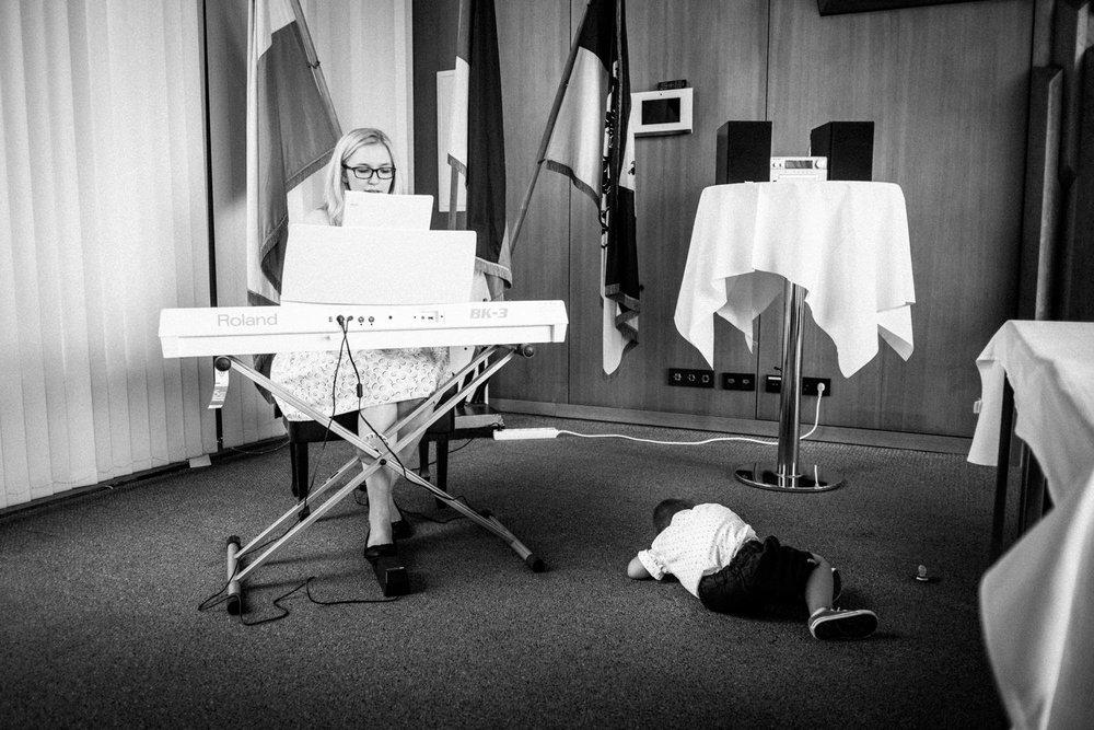 Hochzeitsfoto-Hochzeitsreportage-Neustadt bei Coburg-Oberfranken-Bayern-Hochzeitsfotograf-Kevin Biberbach-KEVIN Fotografie-Fujifilm-Hochzeitswahn-027.jpg