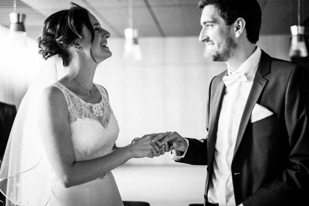 Hochzeitsfoto-Hochzeitsreportage-Neustadt bei Coburg-Oberfranken-Bayern-Hochzeitsfotograf-Kevin Biberbach-KEVIN Fotografie-Fujifilm-Hochzeitswahn-030.jpg