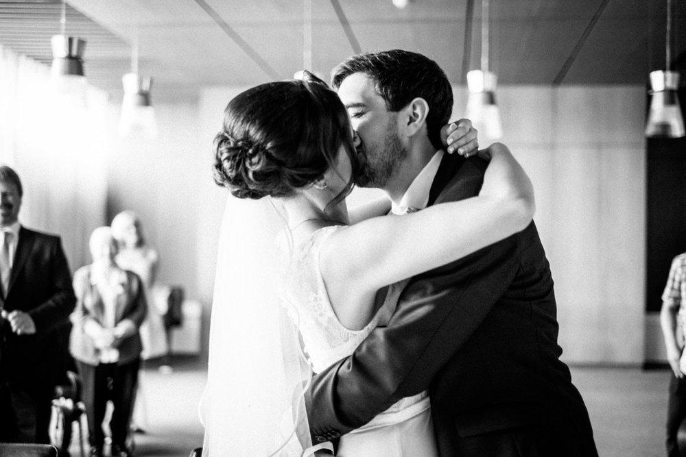 Hochzeitsfoto-Hochzeitsreportage-Neustadt bei Coburg-Oberfranken-Bayern-Hochzeitsfotograf-Kevin Biberbach-KEVIN Fotografie-Fujifilm-Hochzeitswahn-031.jpg