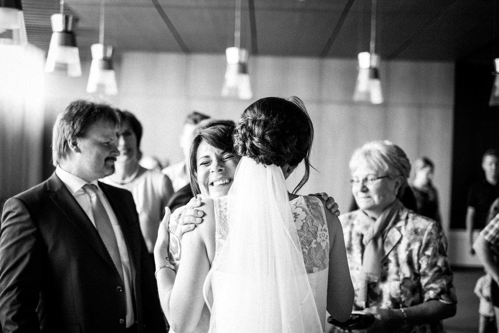Hochzeitsfoto-Hochzeitsreportage-Neustadt bei Coburg-Oberfranken-Bayern-Hochzeitsfotograf-Kevin Biberbach-KEVIN Fotografie-Fujifilm-Hochzeitswahn-034.jpg