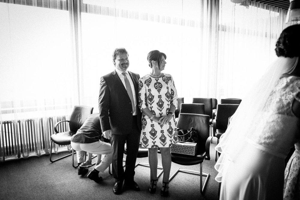 Hochzeitsfoto-Hochzeitsreportage-Neustadt bei Coburg-Oberfranken-Bayern-Hochzeitsfotograf-Kevin Biberbach-KEVIN Fotografie-Fujifilm-Hochzeitswahn-038.jpg