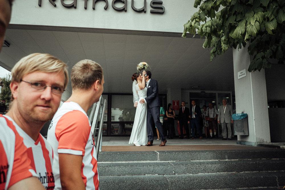 Hochzeitsfoto-Hochzeitsreportage-Neustadt bei Coburg-Oberfranken-Bayern-Hochzeitsfotograf-Kevin Biberbach-KEVIN Fotografie-Fujifilm-Hochzeitswahn-042.jpg