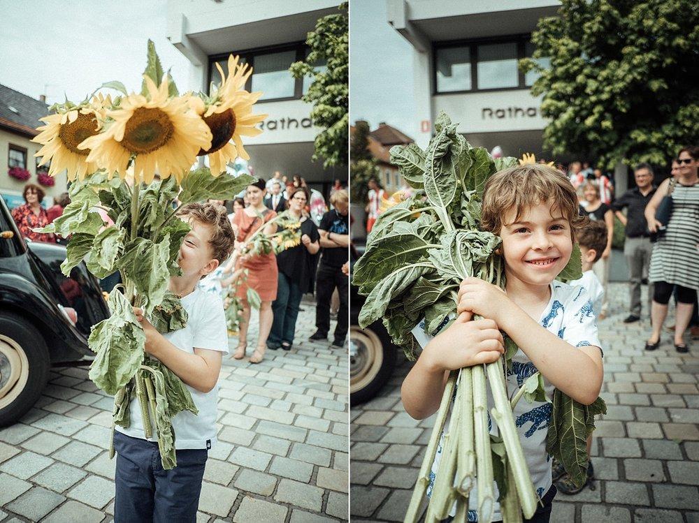 Hochzeitsfoto-Hochzeitsreportage-Neustadt bei Coburg-Oberfranken-Bayern-Hochzeitsfotograf-Kevin Biberbach-KEVIN Fotografie-Fujifilm-Hochzeitswahn-046__blog.jpg