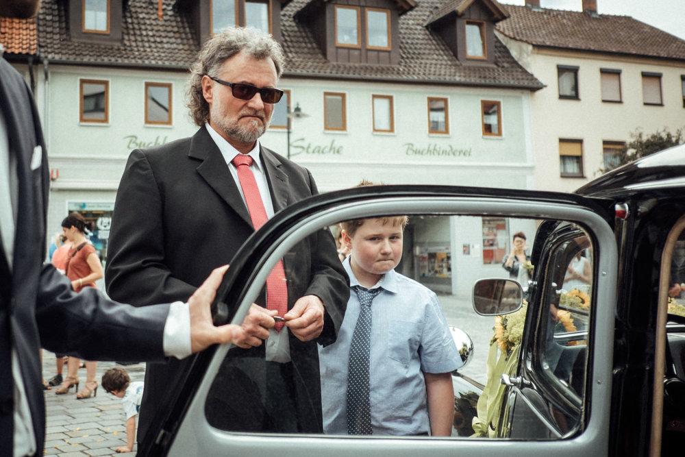 Hochzeitsfoto-Hochzeitsreportage-Neustadt bei Coburg-Oberfranken-Bayern-Hochzeitsfotograf-Kevin Biberbach-KEVIN Fotografie-Fujifilm-Hochzeitswahn-052.jpg