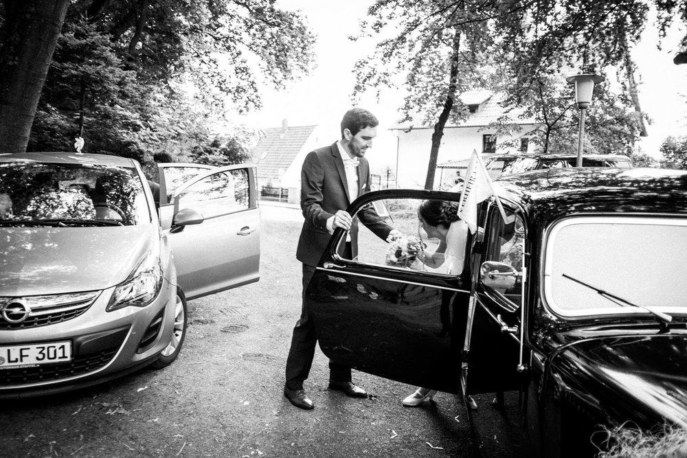 Hochzeitsfoto-Hochzeitsreportage-Neustadt bei Coburg-Oberfranken-Bayern-Hochzeitsfotograf-Kevin Biberbach-KEVIN Fotografie-Fujifilm-Hochzeitswahn-058.jpg