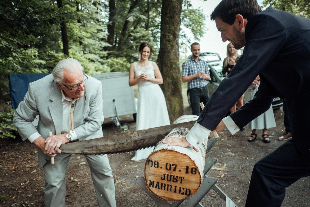 Hochzeitsfoto-Hochzeitsreportage-Neustadt bei Coburg-Oberfranken-Bayern-Hochzeitsfotograf-Kevin Biberbach-KEVIN Fotografie-Fujifilm-Hochzeitswahn-063.jpg