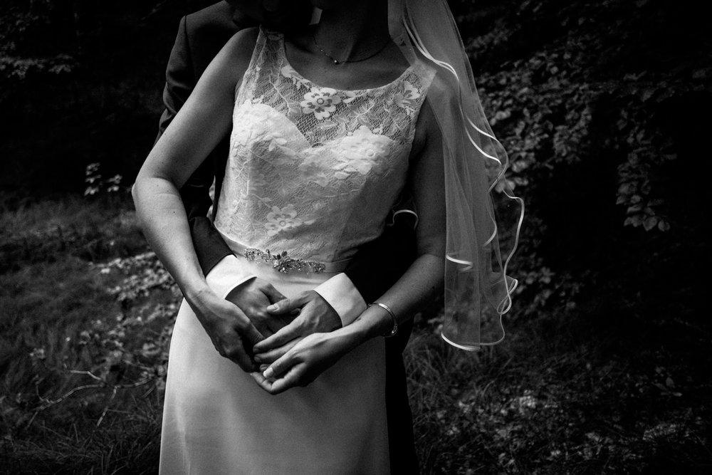 Hochzeitsfoto-Hochzeitsreportage-Neustadt bei Coburg-Oberfranken-Bayern-Hochzeitsfotograf-Kevin Biberbach-KEVIN Fotografie-Fujifilm-Hochzeitswahn-081.jpg