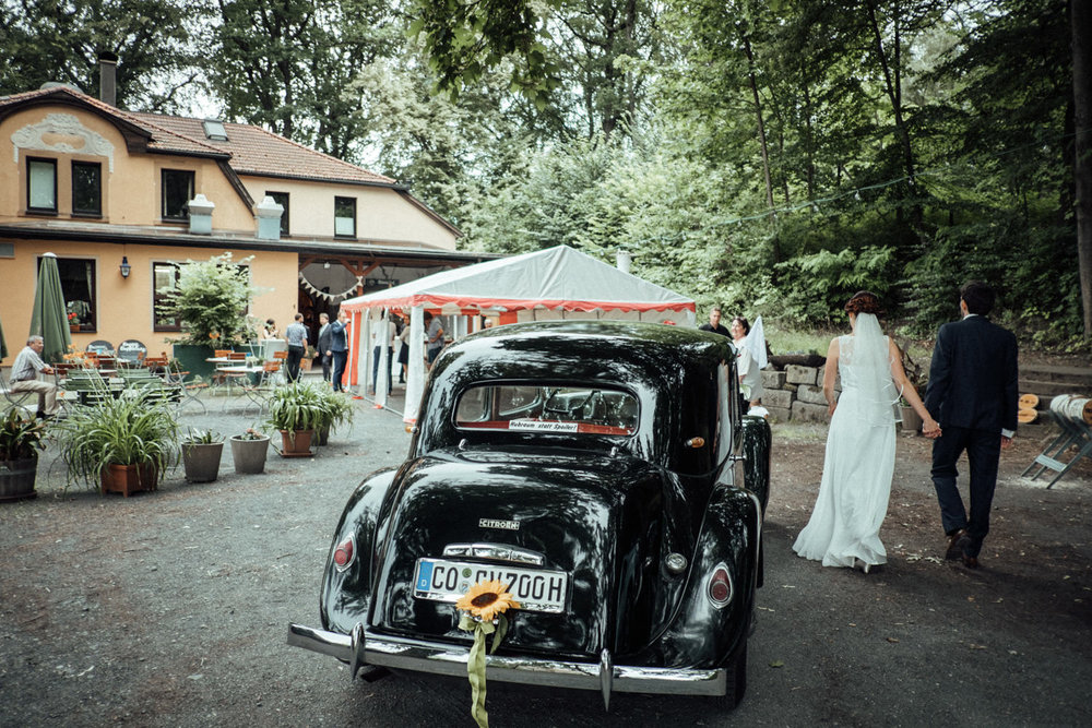 Hochzeitsfoto-Hochzeitsreportage-Neustadt bei Coburg-Oberfranken-Bayern-Hochzeitsfotograf-Kevin Biberbach-KEVIN Fotografie-Fujifilm-Hochzeitswahn-090.jpg