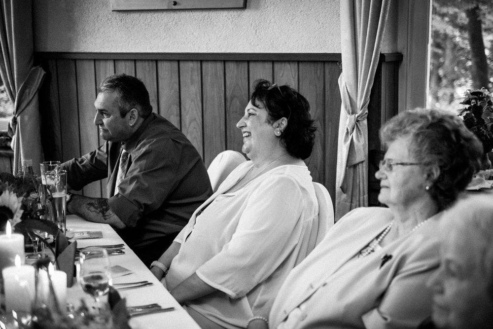 Hochzeitsfoto-Hochzeitsreportage-Neustadt bei Coburg-Oberfranken-Bayern-Hochzeitsfotograf-Kevin Biberbach-KEVIN Fotografie-Fujifilm-Hochzeitswahn-093.jpg